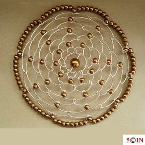 Women Round-DONE-Gold-Picture